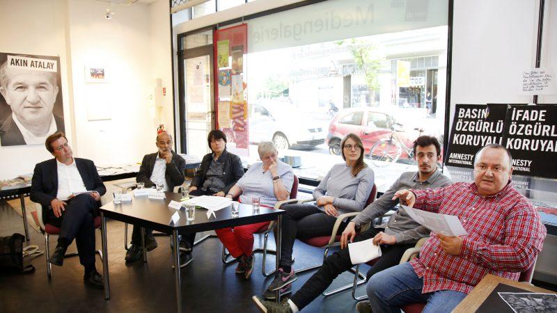 Türkiye'deki basın özgürlüğü saldırılarına Berlin'de büyüteç