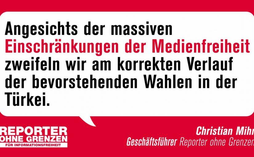 """SINIRSIZ GAZETECİLER ÖRGÜTÜ'NDEN KRİTİK """"ADİL SEÇİM"""" UYARISI  Sınırsız Gazeteciler Örgütü'nün (ROG) Almanya Teşkilatı Pazar günü yapılacak 24 Haziran seçimlerine ilişkin bir basın açıklaması yaparak, demokratik rekabeti imkansız hale getiren basın özgürlüğüne yönelik ağır saldırıları sert dille kınadı. Darbe girşiminin ardından Türkiye'de iki yıldan bu yana  muhalif sesin kısıldığına, 100'den fazla gazetecinin cezaevinde bulunduğuna, çok sesli medyaya darbe vurulduğuna vurgu yapılan açıklamada kritik adil seçim uyarısı yapıldı. ROG Aalmanya Başkanı Christian Mihr ise Türkiye'deki 24 Haziran seçimlerinin adil işleyişi konusunda ciddi endişeleri olduğuna işaret etti. """"Ağır basın özgürlüğü ihlalleri dolayısıyla Türkiye'deki seçimlerin doğru işleyişinden şüphe duyuyorum"""" diyen Mihr Türkiye'deki basın ve ifade özgürlüğüne yönelik saldırıyı """"Medya organları kapatılıyor, muhalif gazeteciler içeride tutuluyor. Türkiye'deki insanlar dengeli olmayan ve farklı görüşlerin yer almadığı habercilikle nasıl bilgilenecek ve karar verecekler?"""" sözleriyle eleştirdi. Berlin – atgb"""